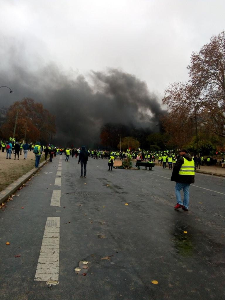 En Direct Gilets Jaunes La Situation A Degenere A Paris De