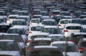 La baisse des ventes de General Motors plombe le secteur automobile