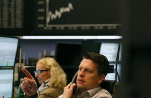 La Bourse de Paris termine en baisse, en quête de moteur face à une actualité creuse