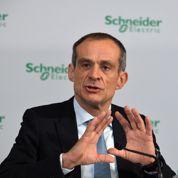 Schneider Electric bute encore sur Aviva