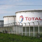 Total renforce sa structure financière et envisage des rachats d'actions