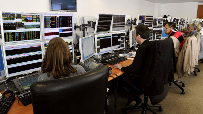 Proche de ses sommets annuels, la Bourse de Paris limite les risques