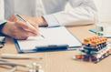 Les médecins peinent à rayer les prescriptions même si elles deviennent inutiles