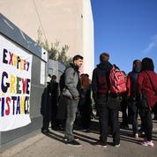 Les professeurs des lycées en zone d'éducation prioritaire dans la rue