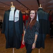 Une étudiante réinvente la robe d'avocat