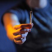 Comment gérer des adolescents qui fument du cannabis