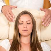 Hypnose, acupuncture...: qui a le droit de pratiquer les médecines alternatives ?