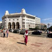 À Alger, des milliers d'étudiants dans la rue pour venir étudier en France
