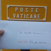 En Erasmus à Rome, il envoie une lettre au Pape pour alerter sur la misère au Vatican