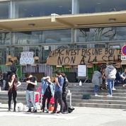 A Nanterre, les étudiants votent massivement pour la poursuite du blocage