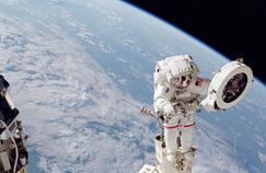 Aller dans l'espace pour comprendre l'humain sur Terre