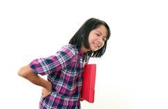 Le mal de dos touche aussi les adolescents
