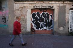 En Espagne, les mafias rançonnent les propriétaires pour libérer les squats