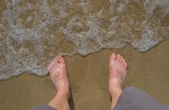 Diabétiques : à la plage, éviter les blessures au pied