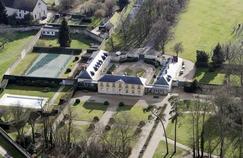 Macron renonce à rénover le terrain de tennis de la Lanterne