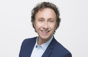 Stéphane Bern joue les gendarmes sur France 3