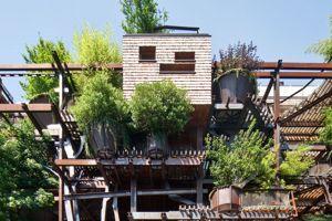 un immeuble arbre pour se prot ger du bruit et de la pollution. Black Bedroom Furniture Sets. Home Design Ideas