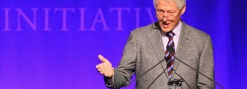 Bill Clinton affiche son soutien aux cours en ligne