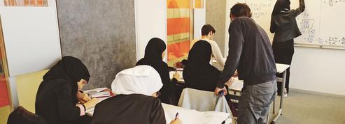 Un lycée privé qui accueille des lycéennes voilées lance un appel aux dons