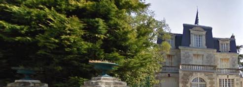 Les habitants d'une petite commune refusent qu'elle rachète le château local
