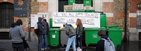 «Ni Marine, ni Macron»: une vingtaine de lycées bloqués à Paris