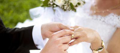 Mariage annulé pour l'homme qui a épousé la fille de sa compagne