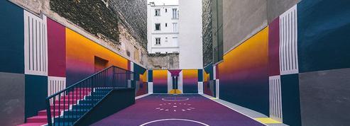 Découvrez le nouveau look d'un terrain de basket en plein cœur de Paris