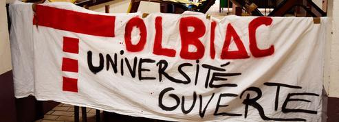 Conférences, tri sélectif et soirées techno : bienvenue dans la ZAD de Tolbiac