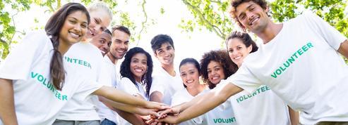 Chantiers internationaux : les vacances solidaires séduisent les jeunes de tous âges