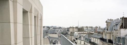 À Paris, on construit des HLM en pierre massive
