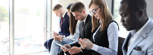 Trois jeunes sur quatre cherchent un emploi uniquement sur smartphone