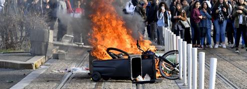 Feux de poubelles, barricades et dégradations dans des dizaines de lycées en France