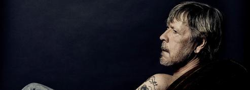 Renaud, portrait d'un chanteur mélancolique sur C8