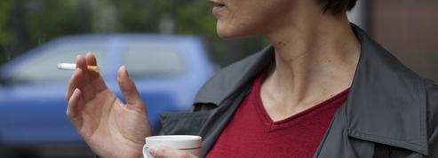 Tabac: les fumeurs sous-estiment encore les risques