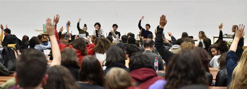 Étudiants étrangers: la hausse des frais serait un risque pour l'attractivité française, selon un rapport