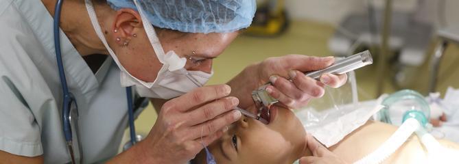 «Chirurgie humanitaire» : la France se désengage progressivement