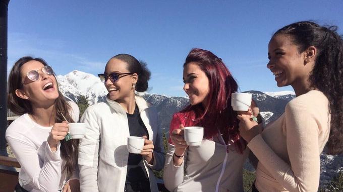Pause thé et café pour Malika Ménard, Alicia Aylies, Delphine Wespiser et Flora Coquerel en Andorre.
