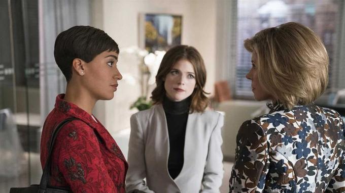 Cush Jumbo, Rose Leslie, Christine Baranski. © Patrick Ecclesine/CBS.