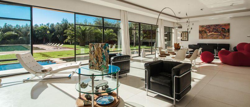 james bond nous avons retrouv la maison de spectre marrakech. Black Bedroom Furniture Sets. Home Design Ideas