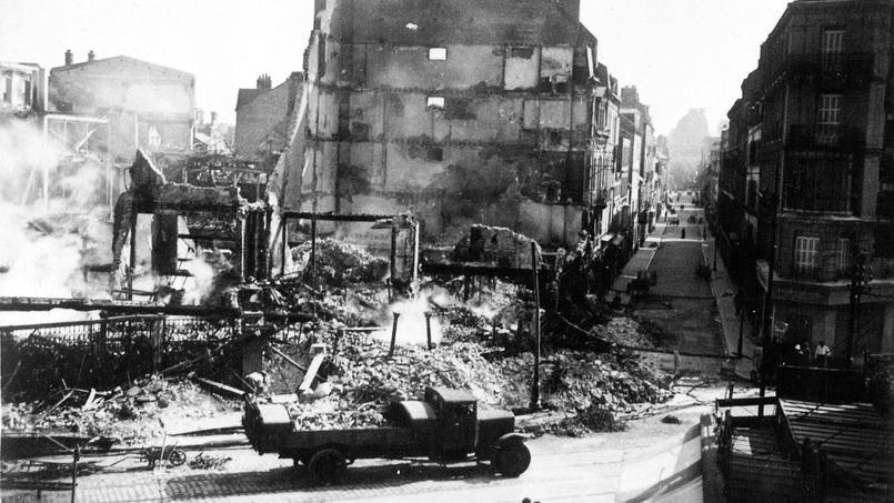 Bâtiment éventré après le bombardement du Havre en 1941.