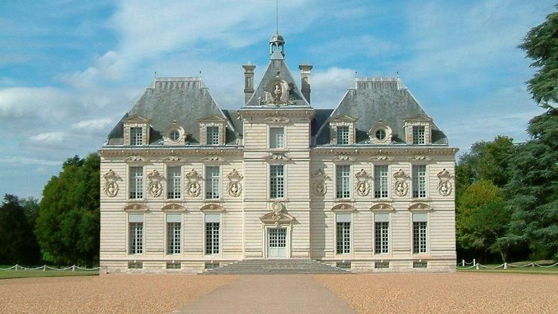Voici le Château de Moulinsart, tel qu'Hergé l'a imaginé. Photo retouchée du Château de Cheverny. Crédit: Wikimédia.