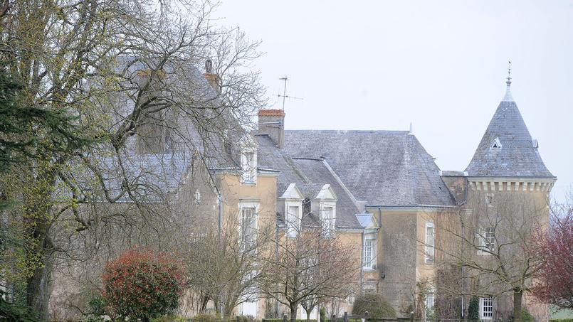 Une photo du manoir de François Fillon.