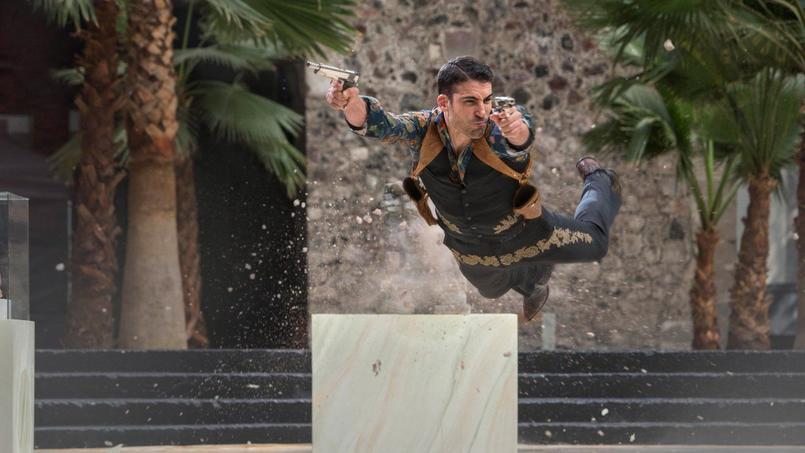 Miguel Ángel Silvestre, l'un des acteurs de  Sense8 rejoint l'équipe de Narcos