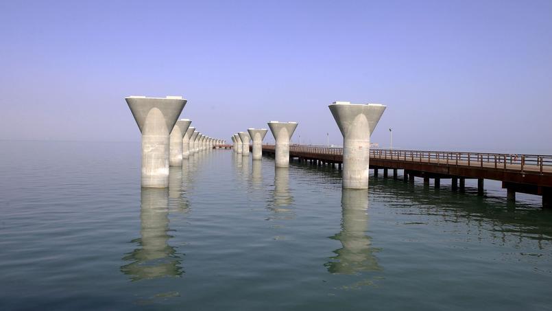 KUWAIT-ECONOMY-CAUSEWAY-TRANSPORT
