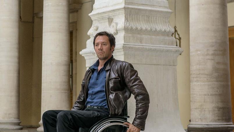 Le capitaine Caïn (Bruno Debrandt) va se retrouver confronté à son passé de justicier aux méthodes expéditives.