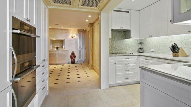 l ancien appartement pas tr s pop de david bowie new york est vendre. Black Bedroom Furniture Sets. Home Design Ideas