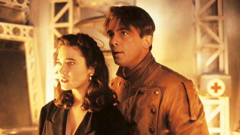 Alors peu connu, Billy Campbell (ici avec Jennifer Connelly) a été choisi par le réalisateur à la place de Johnny Depp