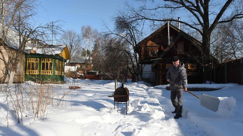 Viktor Karachun, habitant du village de Vostochnaya Perlovka près de Moscou, a lancé une pétition contre la destruction de son village.