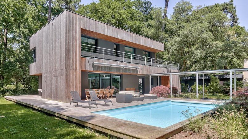 logements atypiques de grandes surfaces pour de gros budgets. Black Bedroom Furniture Sets. Home Design Ideas