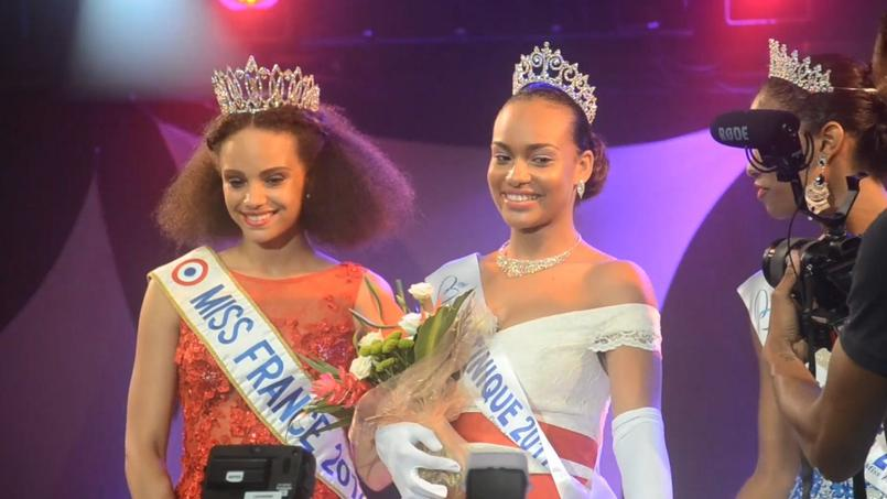 Alicia Aylies et Jade Voltigeur lors de l'élection de Miss Martinique 2017